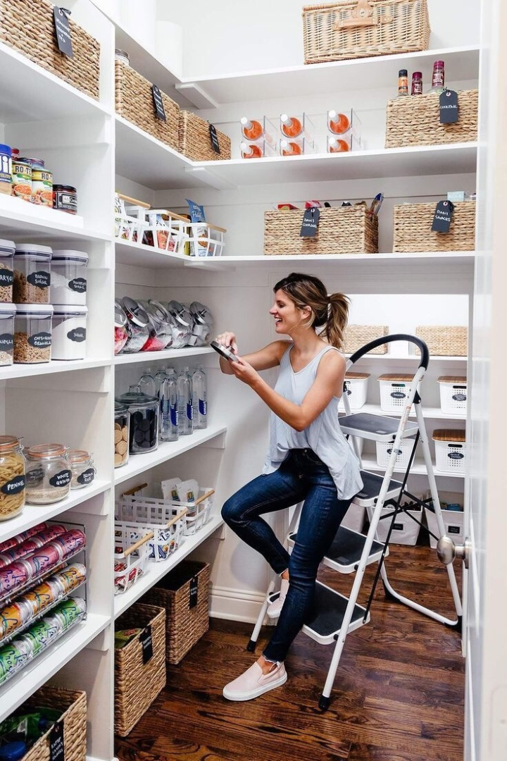 Organized pantries: a Pinterest Roundup